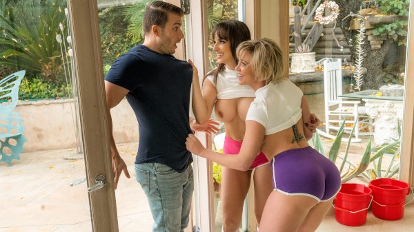 The Lesbians Next Door - Codey Steele, Lexi Luna, Dee Williams - Babes
