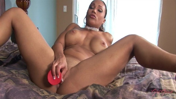 Ebony babes Jackie Brown and Cassidy Clay have a virtual fantasy session