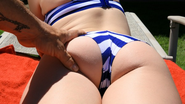 Watch Roxy Nicole in Outdoor Anal for All-Natural Roxy