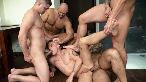 Enjoy Bromo Train Bang on Twinkpop.com Featuring Tomm, Luke, Rudy Valentino, Jerome, Roman