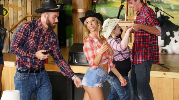 Honey Tonk Hottie Chad White Porn Video - Reality Kings
