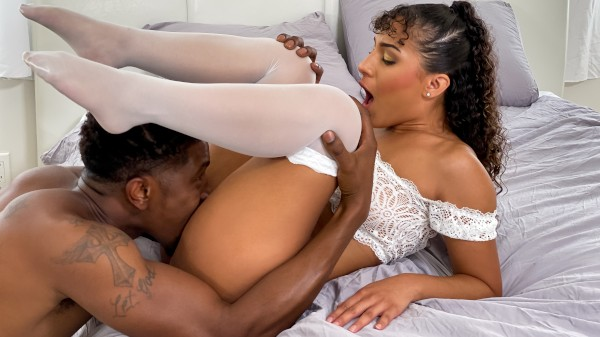 A Revamped Connection - Isiah Maxwell, Liv Revamped - Porn For Women