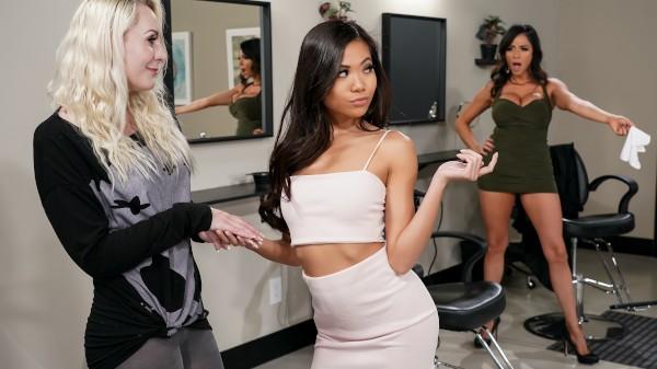 Scissoring Rivalry - Lezdom Bliss Lesbian Porn Video