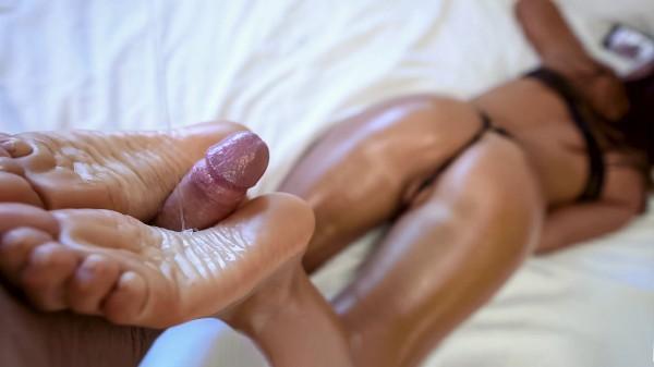 Cute Brunette Gives Oily Footjob Elite XXX Porn 100% Sex Video on Elitexxx.com starring Still Nix, Sativa Booty