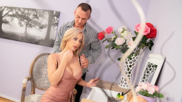 Slow romantic fuck in stockings at SexyHub.com