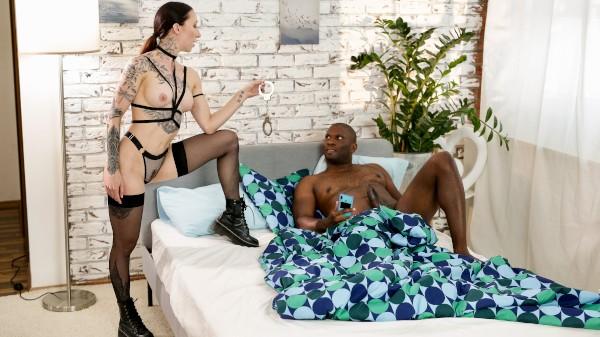 Kinky alt babe handcuffs boyfriend at SexyHub.com