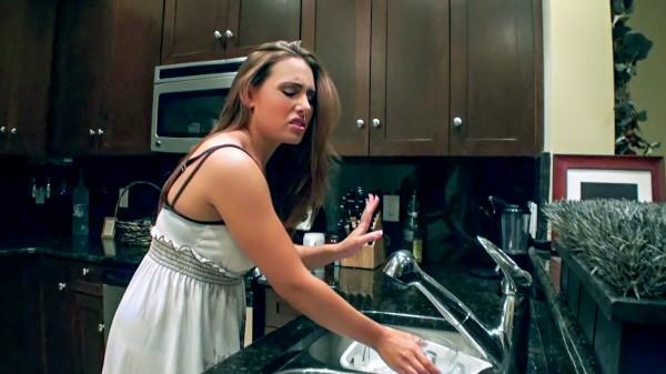 Watch Renna Ryann, Mirko Steel in Cleaning Girl Gets Filthy