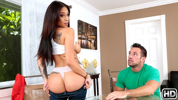 Real Workout with Jamie Valentine, Johnny Castle at milfhunter.com