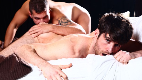 Watch Top To Bottom : Woody Fox on Male Access - All the Best Gay Porn in One place