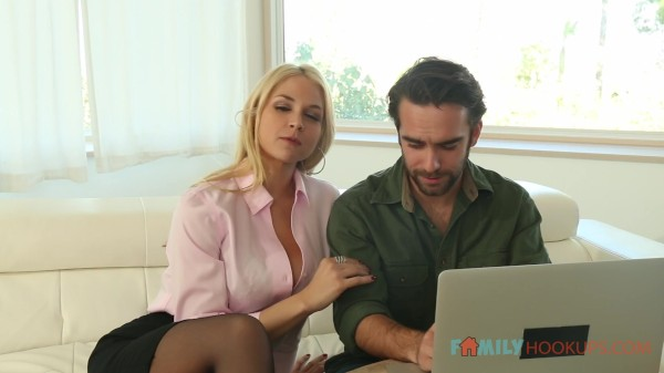 Milf Sarah Vandella's stepson is more interested in her body than his college applications