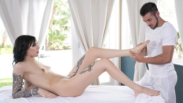 Watch Massaging Ryder featuring Dante Colle, Ryder Monroe Transgender Porn