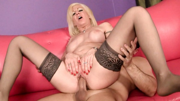 Enjoy Cougars Like Them Young Scene 3 on Milfed.com Featuring John Strong, Sindi Star