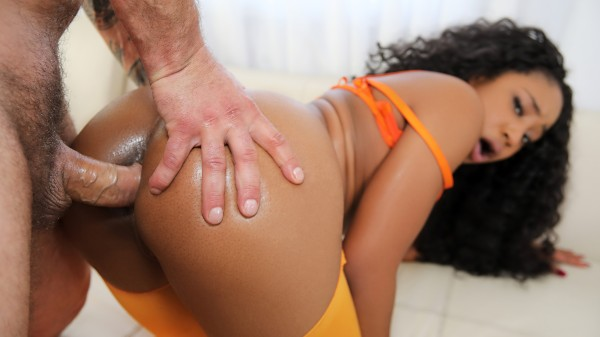 Squirter Lala is Fire – Porn Video on Squirted