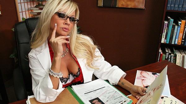 Doctor Squirtsalot - Brazzers Porn Scene