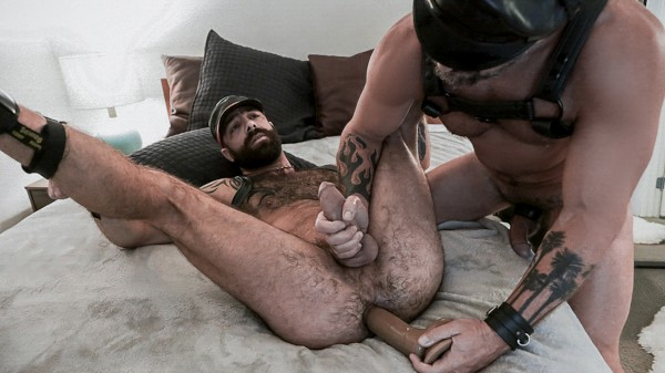 Watch Vince Parker, Jake Nicola in Swing That Sling