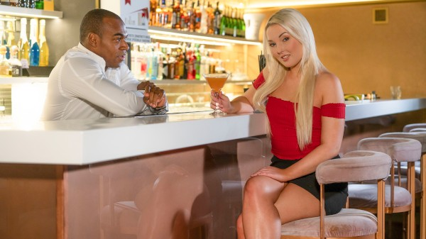 Czech blonde seduces the bartender at SexyHub.com