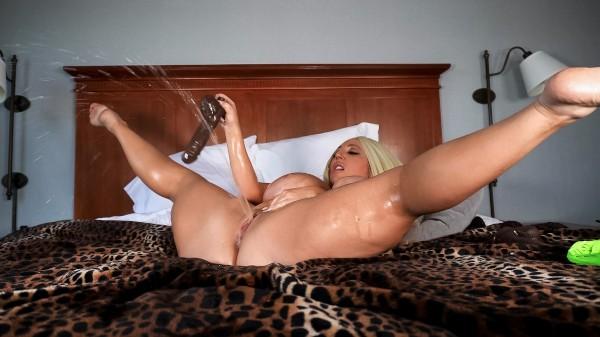 Stassi Squirts In The Hotel - Brazzers Porn Scene