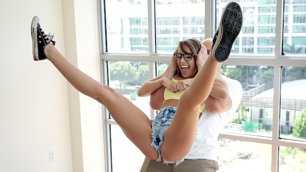 Watch Kimmy Granger in Flexible Honey Can't Stop Twerking