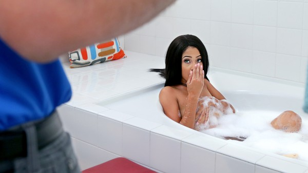 Bath Interruption - Sean Lawless, Princess Yummy