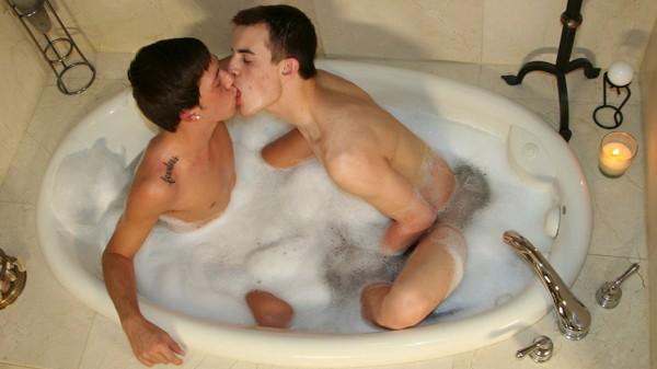 Kissing Kyro - Chase, Luke Allen
