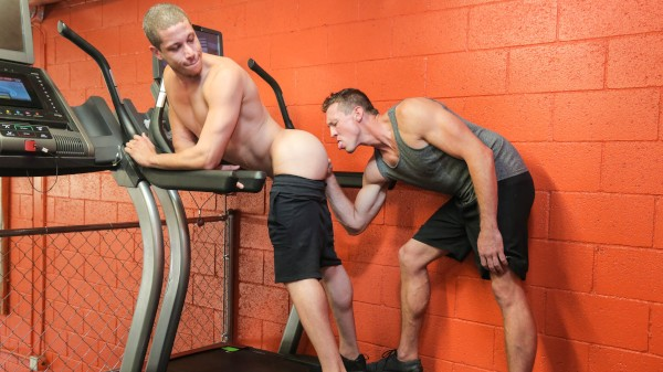 Dudes In Public 7 – Gym - Pierce Paris, Tony Shore