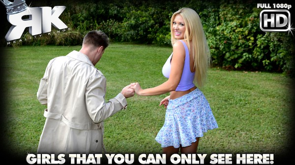 Gash Flash with Levi Cash, Summer Brielle at milfhunter.com