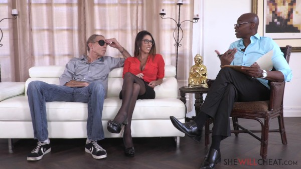Hot milf Dava Foxx fucks her hung therapist right in front of her cuckold husband