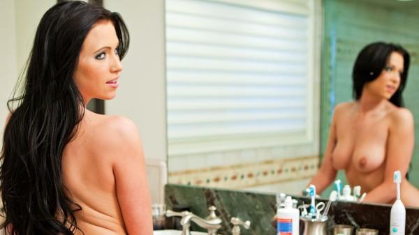 Watch Chloe James in Toilette Plunger Lover