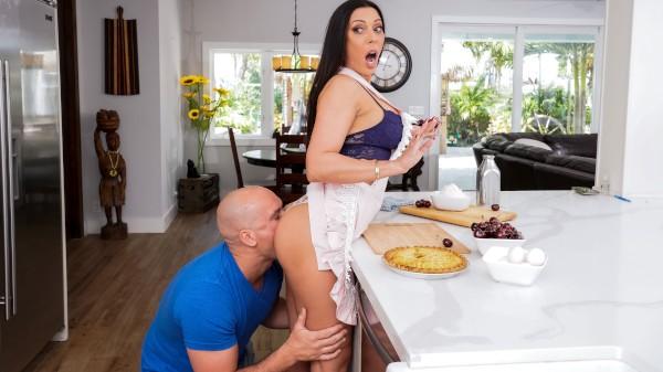 Kitchen Sex With Rachel - Brazzers Porn Scene
