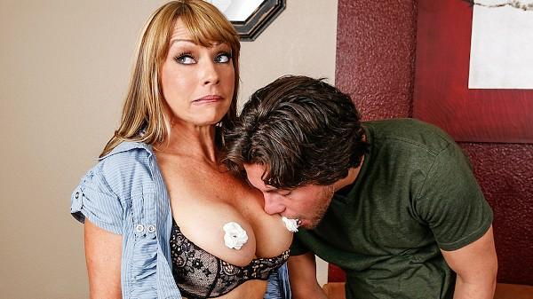 Titties for Popularity - Brazzers Porn Scene