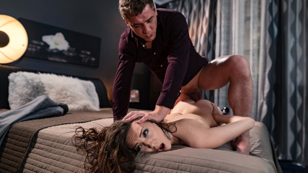 Enjoy Client needs hard sex with escort on Deviant.com Featuring Steve Q, Isabella De Laa
