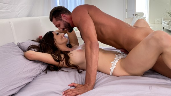 Pleasant Surprises - Quinton James, Silvia Saige - Porn For Women