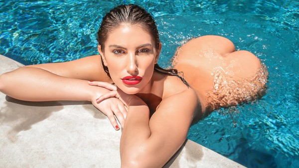 A Hot Day In August - Alex Legend, August Ames
