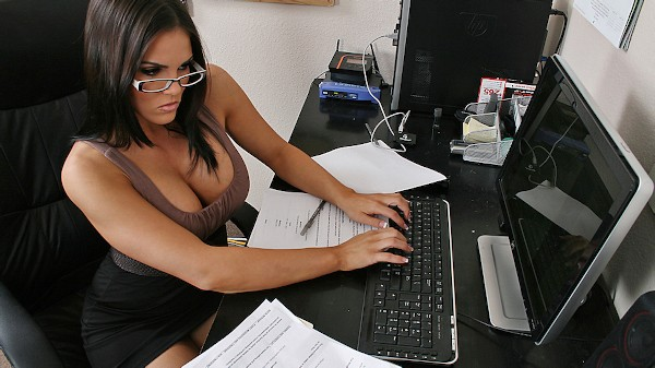 Office ASS-istant - Brazzers Porn Scene
