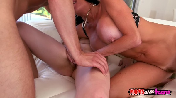 Yes Maam Veronica Avluv Porn Video - Reality Kings