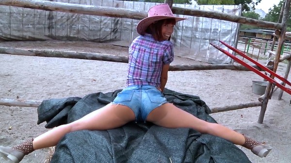 Watch Tina Hot in Amateur Cowgirl Fucks For Cash