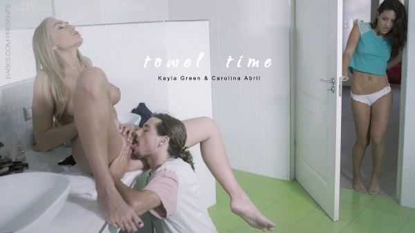 Towel Time - Tyler Nixon, Carolina Abril, Kayla Green - Babes