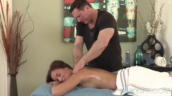 Karter Foxx Fucked During Massage