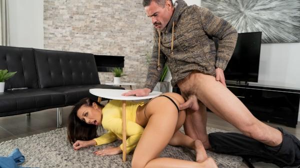 Rachel Gets... Stuck? - Brazzers Porn Scene