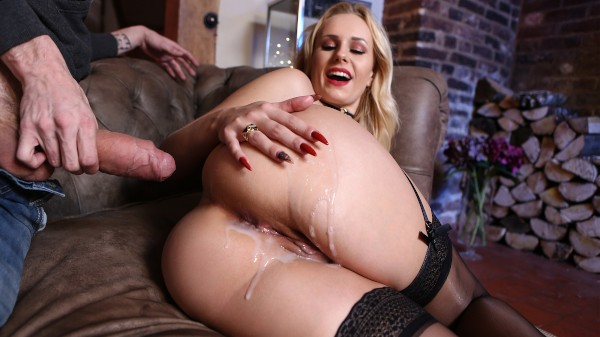Capture My Booty - Brazzers Porn Scene