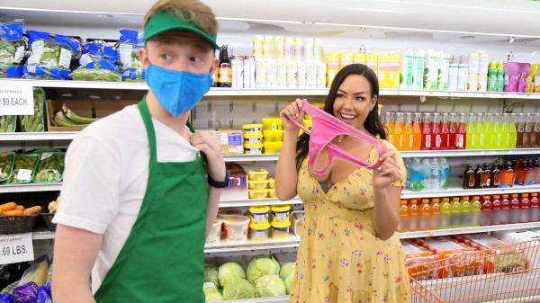 Supermarket Slut Jimmy Michaels Porn Video - Reality Kings