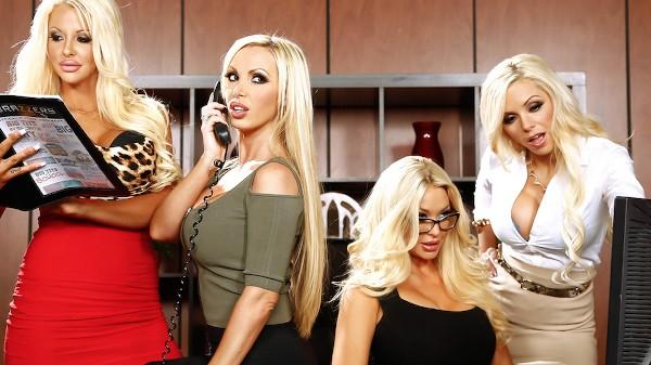 Cuarteto en la Oficina VI - Brazzers Porn Scene