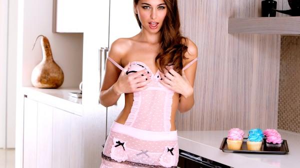 Icing Them Cupcakes