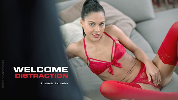 Welcome Distraction - Apolonia Lapiedra, Antonio Ross - Babes