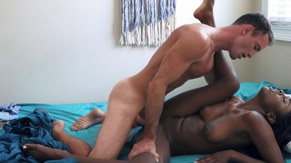 Sexy Black Girl Sucks White Dick in 69 position