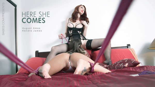 Here She Comes - Kendra James, August Ames - Babes