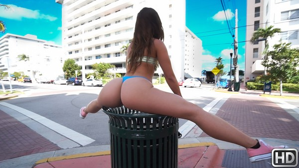 Public Fun In The Sun Kelsi Monroe Porn Video - Reality Kings