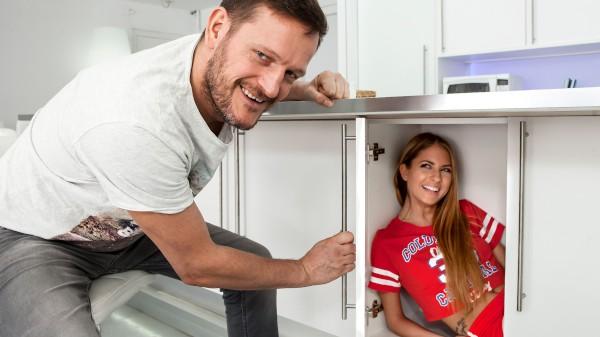 Watch Rebecca Volpetti, Ian Scott in Kitchen Cutie