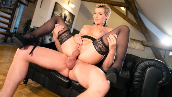 Russian MILF romanced in stockings at SexyHub.com